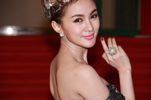 hot girl kelly khoe hinh xam co mot khong hai - 6