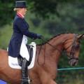 Bà bầu - Ngưỡng mộ: Bầu 4 tháng vẫn cưỡi ngựa