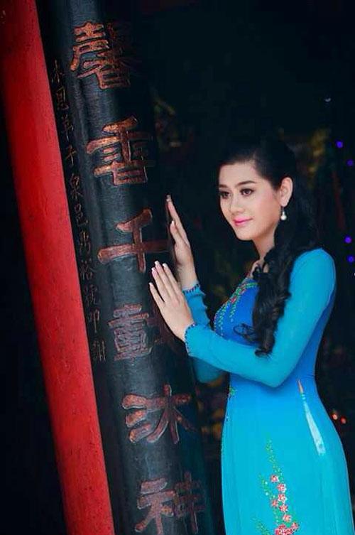 lam chi khanh dep diu dang voi ao dai - 1