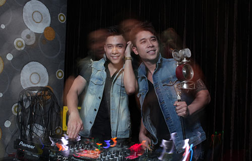 hai chang trai the men tro tai lam dj - 1