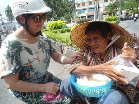 """chuyen """"la thuong"""" o mot quan com chay sai gon - 5"""