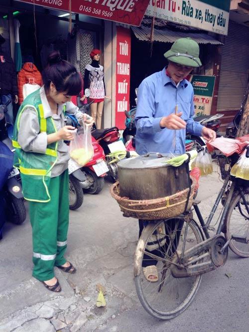 bat gap ngoc khue lam lao cong quet rac - 5