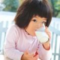 Làm mẹ - Trên 1 tuổi vẫn cần 300-500ml sữa/ngày