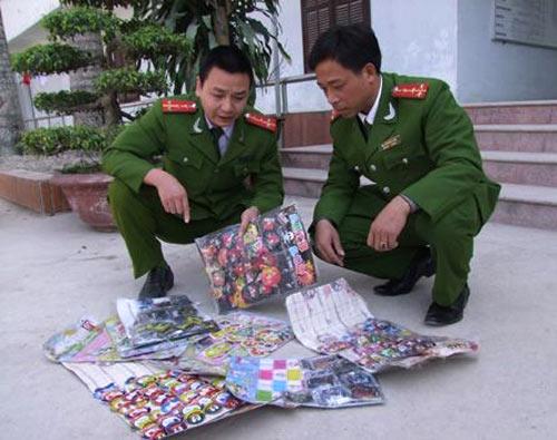 thu giu hang tram goi phao trung quoc chua chat doc hai - 1