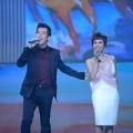 Xem & Đọc - Đón Tết cùng VTV: Uyên Linh hát trên sàn catwalk
