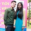 Làng sao - Vắng Hương Giang Idol, Hồng Phước thân thiết hot girl