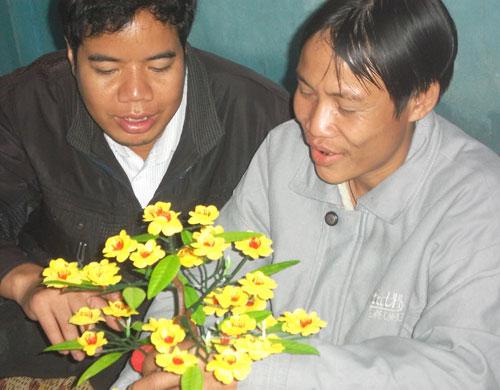 cha con nguoi rung goi banh chung don tet - 5