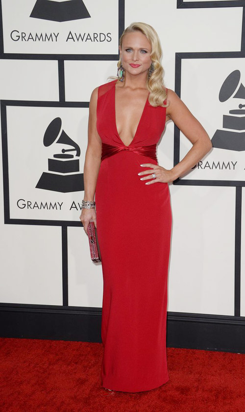 "taylor swift ""thap sang"" le trao giai grammy - 10"