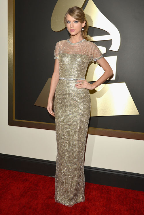 "taylor swift ""thap sang"" le trao giai grammy - 1"