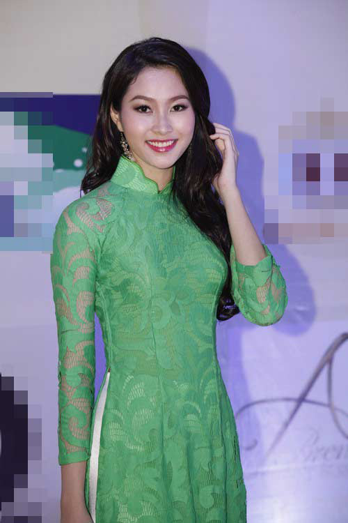 "top 4 my nhan gay ""me hoac"" voi ao dai - 8"