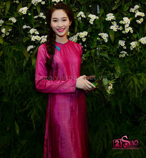 "top 4 my nhan gay ""me hoac"" voi ao dai - 9"