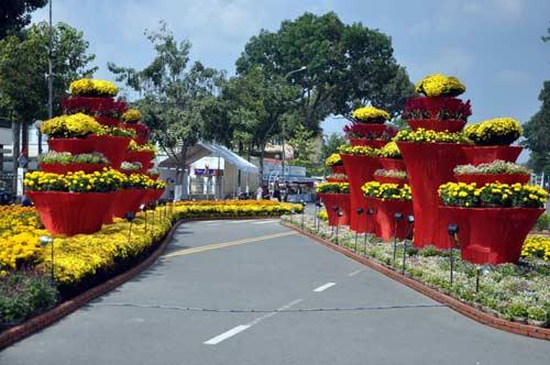 my tho: ruc ro duong hoa hung vuong - 4