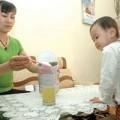 Làm mẹ - Con tăng cân nhờ nước cơm pha sữa?