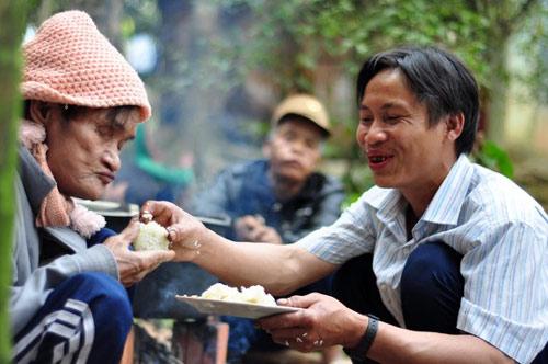 "cha con ""nguoi rung"": khong an tet bang chuot nuong nua! - 3"