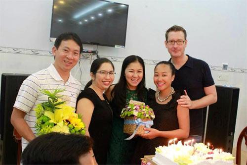 angela phuong trinh khoe anh tet nam 1999 - 2