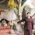 Tin tức - Mẹ đá và chuyện xin con ở ngôi đền thiêng