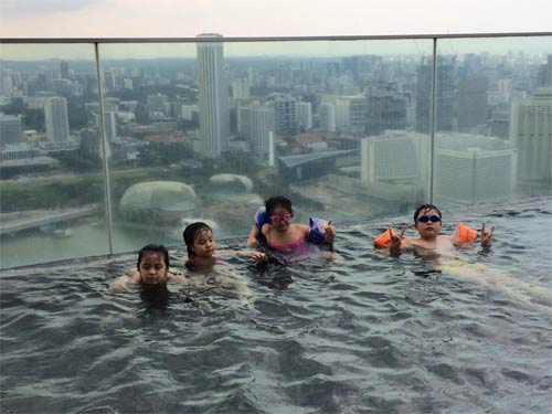 thuy hang, thuy hanh vui choi o singapore - 3