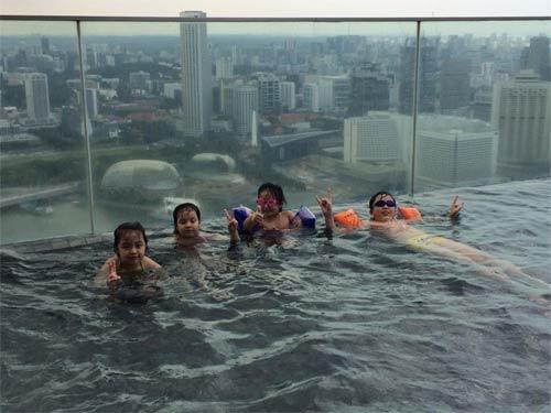 thuy hang, thuy hanh vui choi o singapore - 4