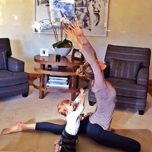 bien viec nha thanh dong tac yoga de dang - 7