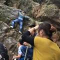 Tin tức - Hội Yên Tử: Leo dốc núi, bám rễ rừng để lên chùa
