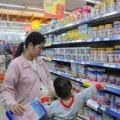 Mua sắm - Giá cả - Sữa liên tục tăng giá, người kinh doanh phát hoảng