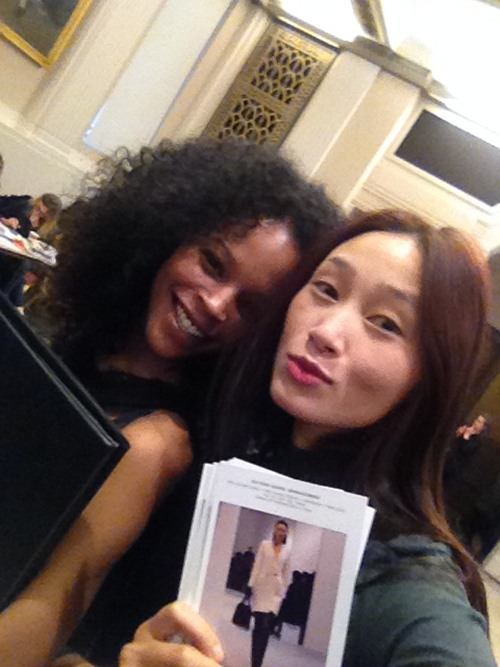 trang khieu am tham casting tai london fashion week - 2