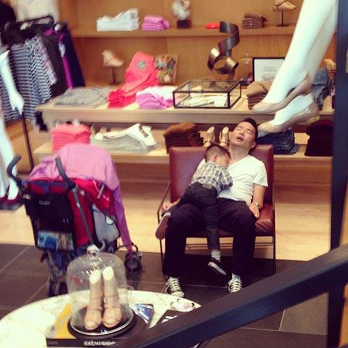 """""""do khoc do cuoi"""" canh dan ong cho vo shopping - 11"""
