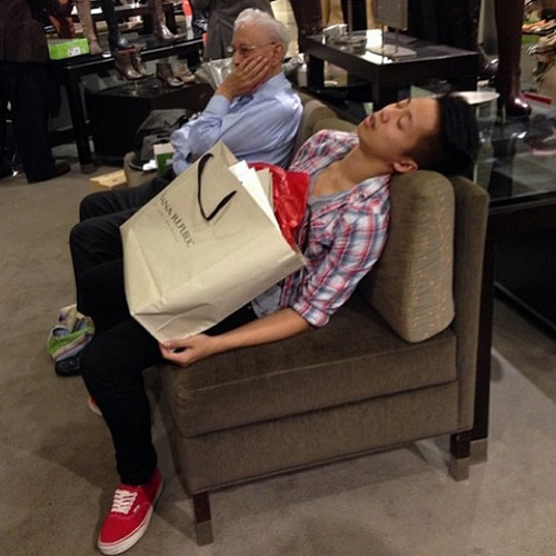 """""""do khoc do cuoi"""" canh dan ong cho vo shopping - 4"""