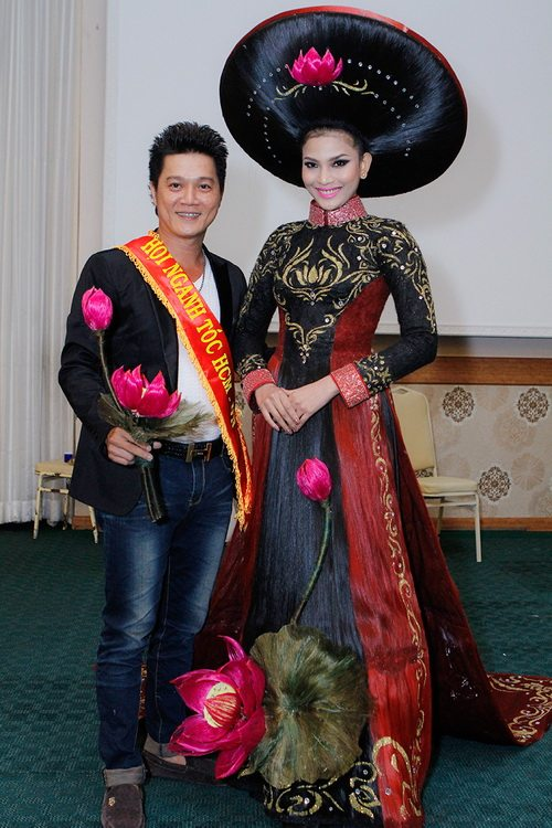 truong thi may mac ao dai bang toc 200 trieu - 3