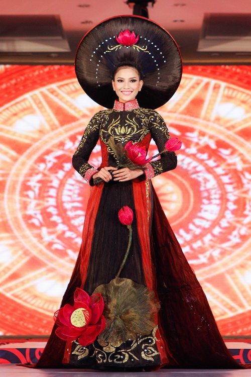 truong thi may mac ao dai bang toc 200 trieu - 5