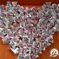 Tin tức - Xếp 999 bông hồng bằng tiền mặt cầu hôn bạn gái