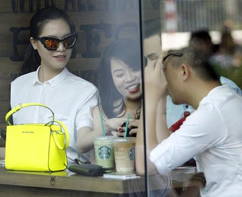 "hh thuy dung di cafe cung rat ""sang chanh"" - 5"