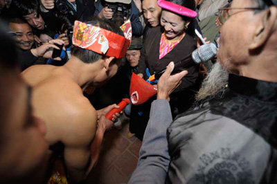 """le hoi phon thuc: sao phai ngai """"chuyen trai gai""""? - 2"""