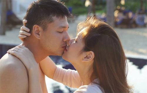 mc dan le hanh phuc ben chong va con trai - 15