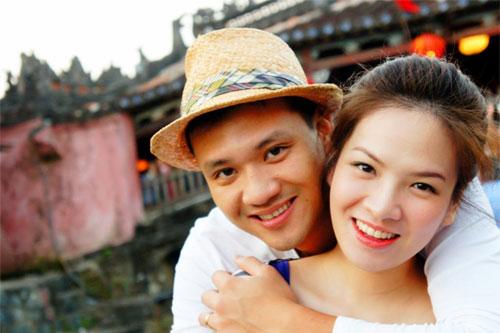 mc dan le hanh phuc ben chong va con trai - 4