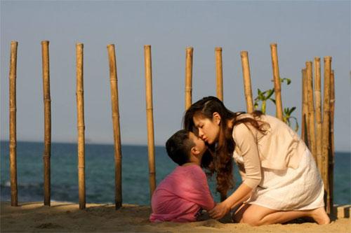 mc dan le hanh phuc ben chong va con trai - 8