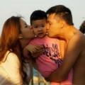 Làng sao sony - MC Đan Lê hạnh phúc bên chồng và con trai