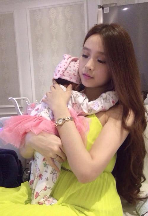 hot girl huyen baby: khac la sau lay chong - 4