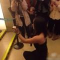 Tình yêu - Giới tính - Cô gái cầu hôn bạn trai giữa rạp phim