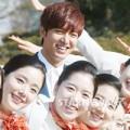Làng sao - Lee Min Ho điển trai bên dàn tiếp viên hàng không