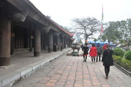 'buon than, ban thanh' hoanh hanh tai chua keo - 1