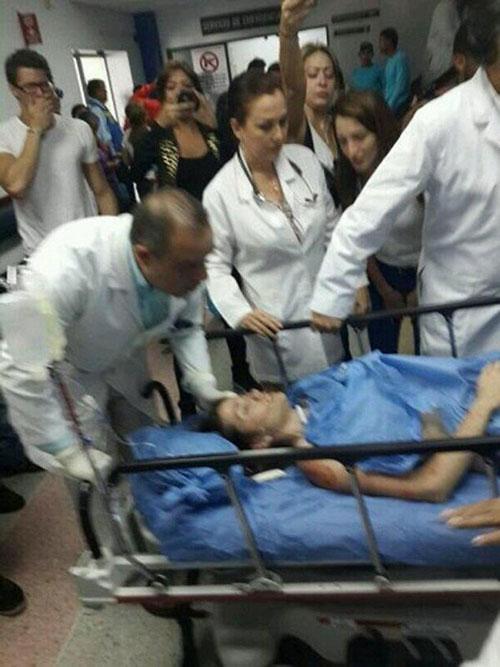 hoa hau venezuela bi ban chet tren pho - 5