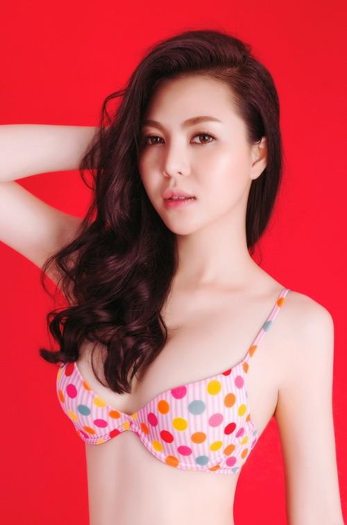 Á hậu Trà Giang sexy hết cỡ với bikini - 3