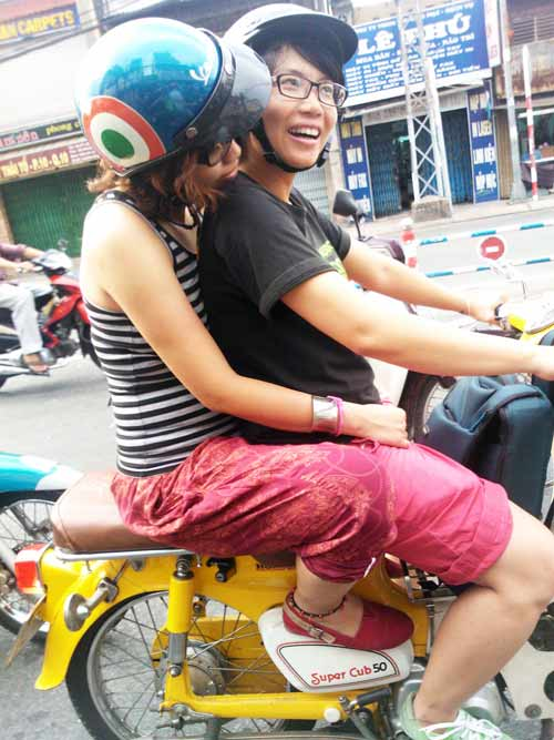 cap dong tinh lam me: luon coi con la ban - 2