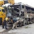 Tin tức - Xe khách bốc cháy, 40 người thoát nạn gang tấc