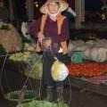 Mua sắm - Giá cả - Giá rét kéo dài, rau xanh tăng giá