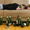 Sức khỏe - Làm gì khi bị ngộ độc rượu?