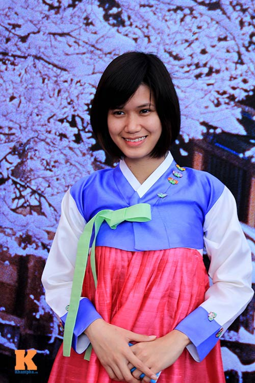 thiéu nũ viẹt xinh tuoi suòn xám, hanbok - 4