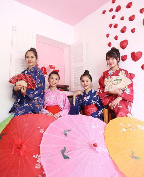 thiéu nũ viẹt xinh tuoi suòn xám, hanbok - 10