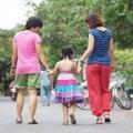 Làm mẹ - Cặp đồng tính làm mẹ: Luôn coi con là bạn